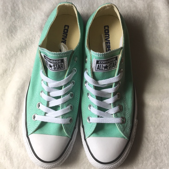 d5a0257397f0 Converse unisex sneakers